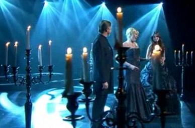 Grandes candelabros de plata en Television
