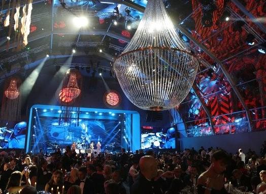 Decorando la Gala para el Océano Global de Monte Carlo